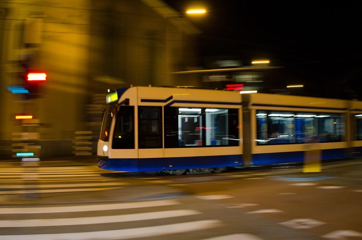 tram-711792_1280.jpg